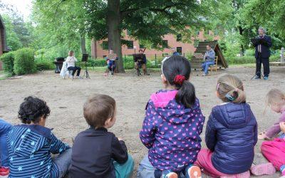 Landestheater besucht das AWO Kinderhaus Abenteuerland